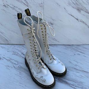 Dr Marten 1C57 VONDA White Embossed Roses boots